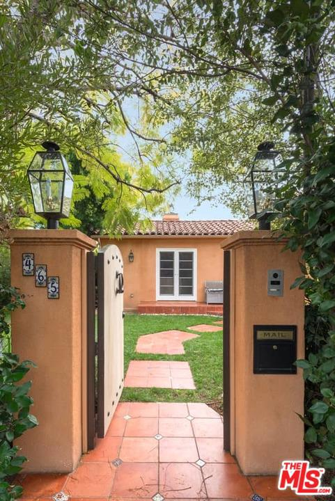 Photo of 465 WESTMOUNT DR, West Hollywood, CA 90048