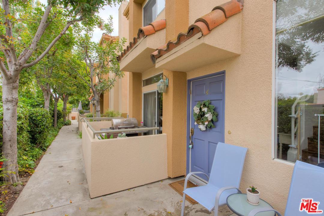 Photo of 14351 MAGNOLIA, Sherman Oaks, CA 91423