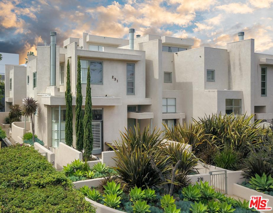 Property for sale at 231 BAY ST #4, Santa Monica,  California 90405