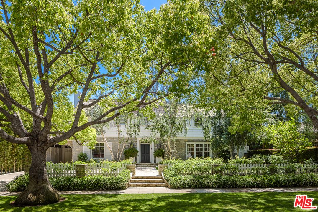 Photo of 621 TRENTON DR, Beverly Hills, CA 90210