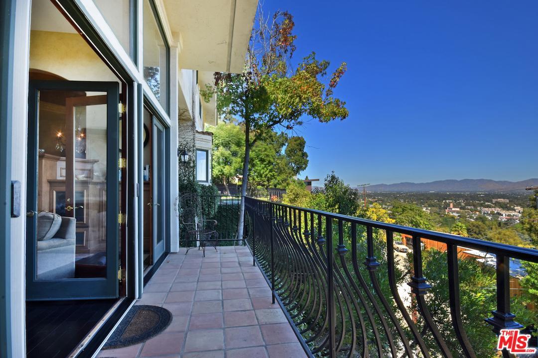 Photo of 3666 DIXIE CANYON AVE, Sherman Oaks, CA 91423