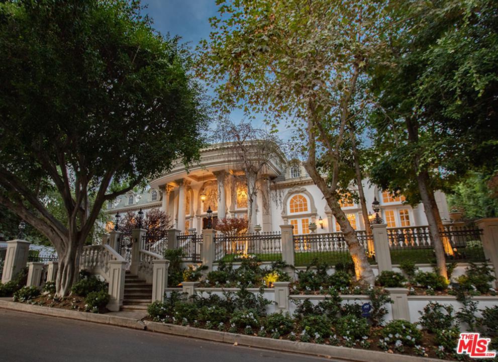 Photo of 1116 LAUREL WAY, Beverly Hills, CA 90210