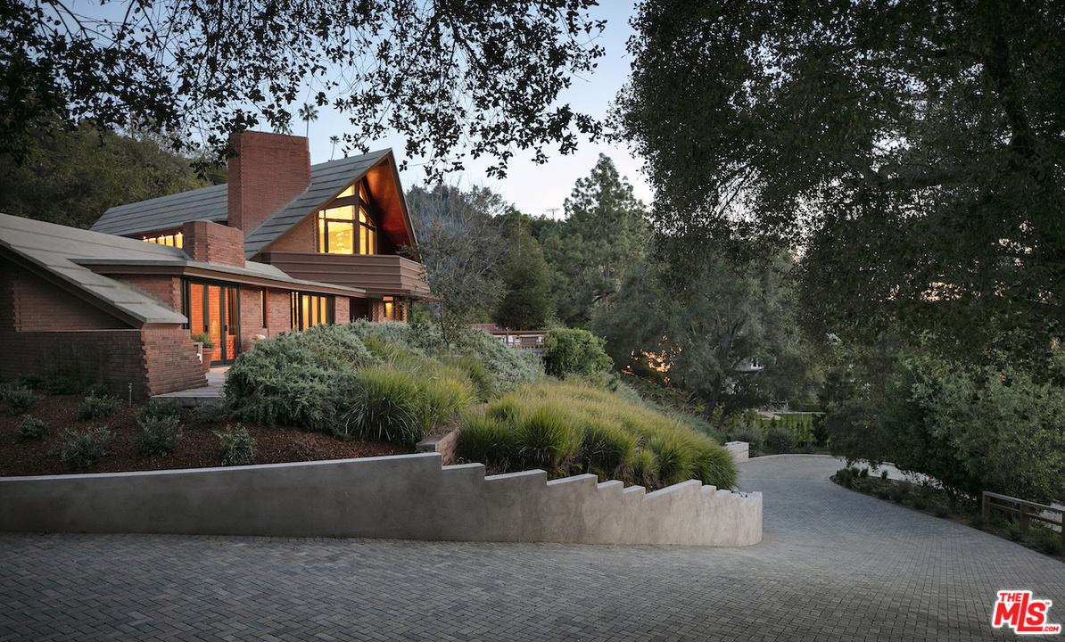 Photo of 14148 RUSTIC LN, Pacific Palisades, CA 90272