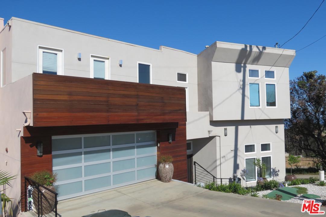 Photo of 27132 CARRITA RD, Malibu, CA 90265