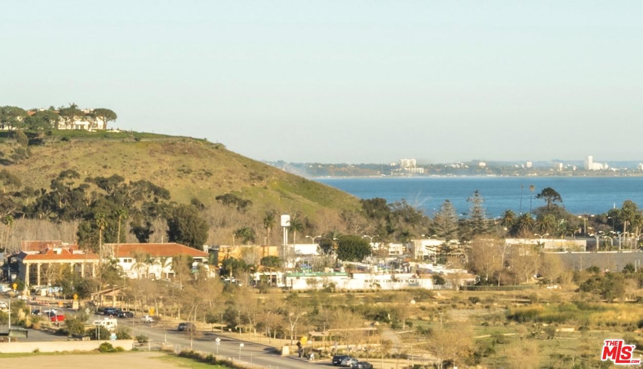 Photo of 23910 DE VILLE WAY, Malibu, CA 90265