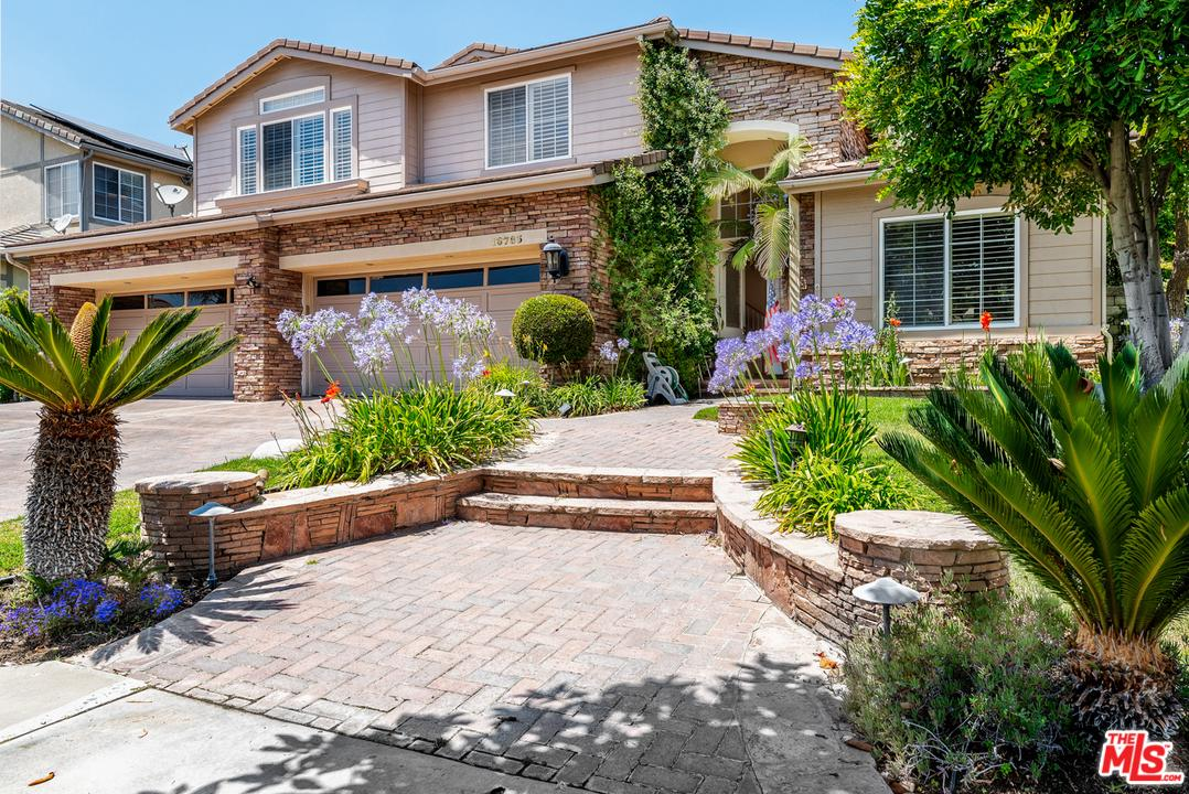 Photo of 18783 MAPLEWOOD LN, Northridge, CA 91326