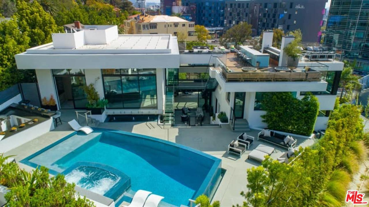 Photo of 1317 LONDONDERRY PL, Los Angeles, CA 90069