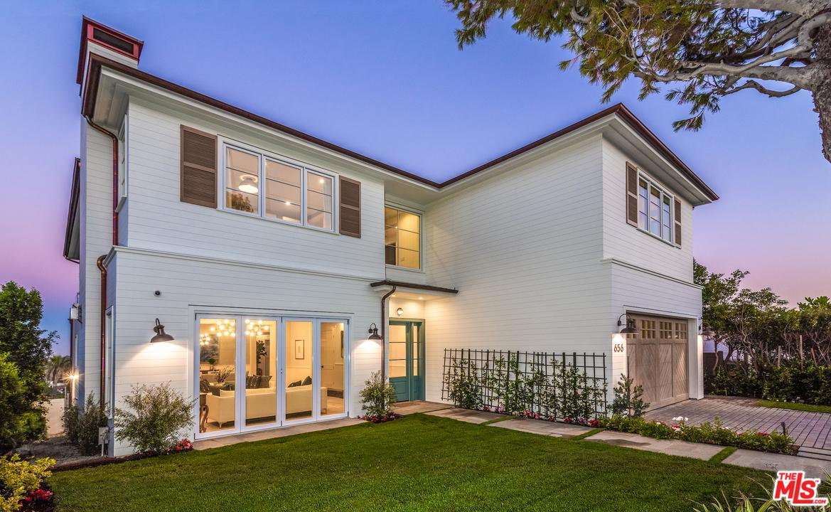 Photo of 656 LACHMAN LN, Pacific Palisades, CA 90272