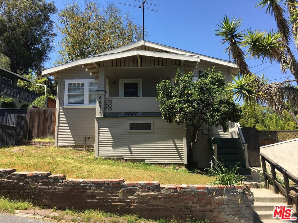 Photo of 6823 CAHUENGA PARK TRL, Los Angeles, CA 90068