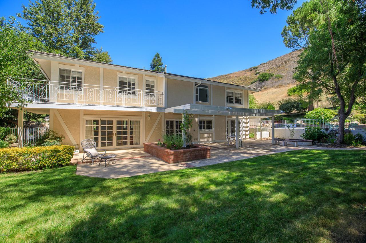 Photo of 4098 SKELTON CANYON CIRCLE, Westlake Village, CA 91362