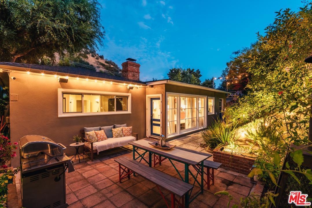 Photo of 8121 CORNETT, Los Angeles, CA 90046