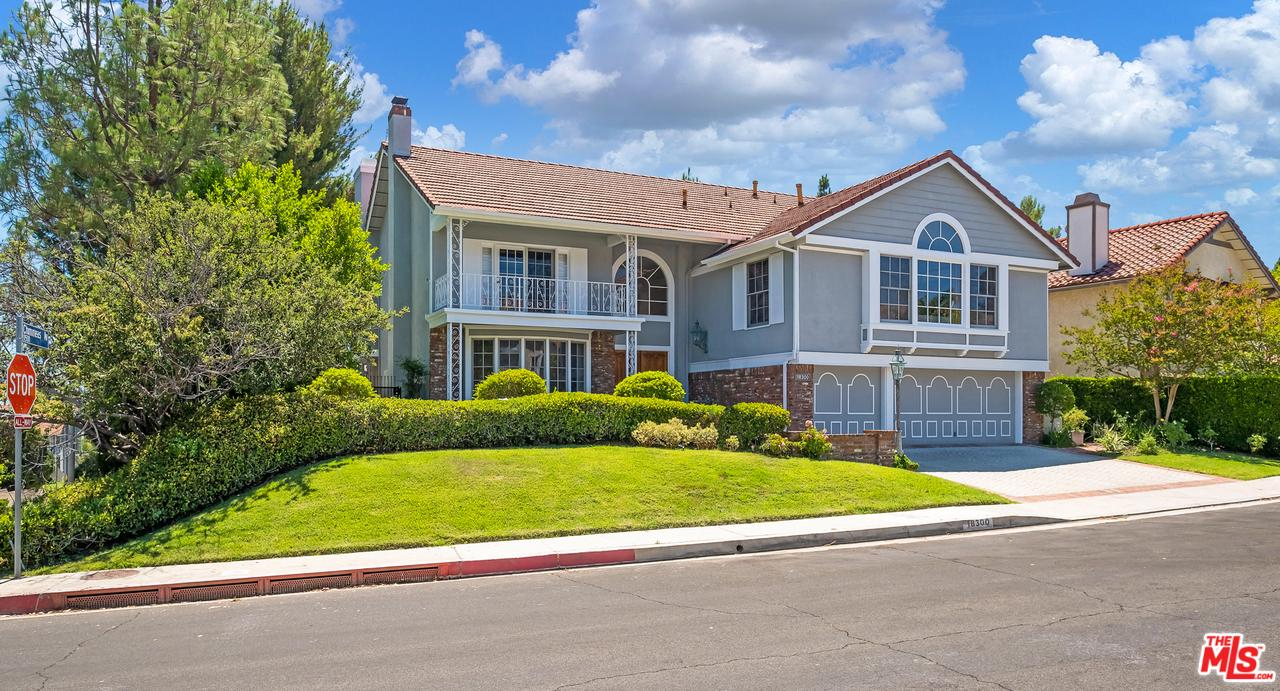 Photo of 18300 CHATHAM LN, Northridge, CA 91326