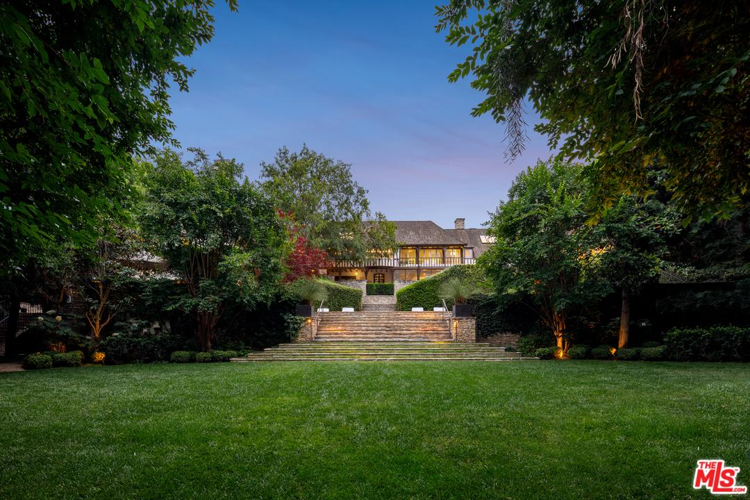 Photo of 1026 RIDGEDALE DR, Beverly Hills, CA 90210