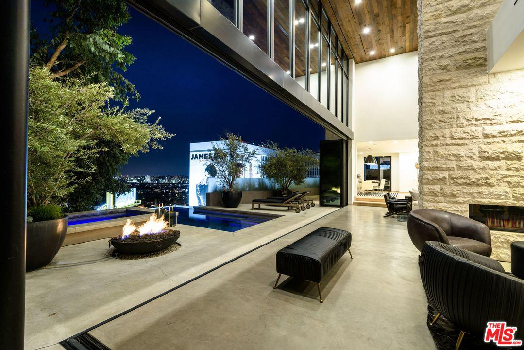 1401 QUEENS Way - Sunset Strip / Hollywood Hills West, California