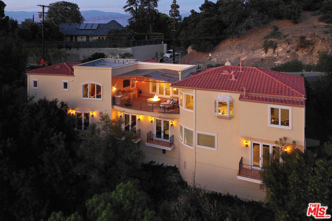 Photo of 3601 DIXIE CANYON AVE, Sherman Oaks, CA 91423