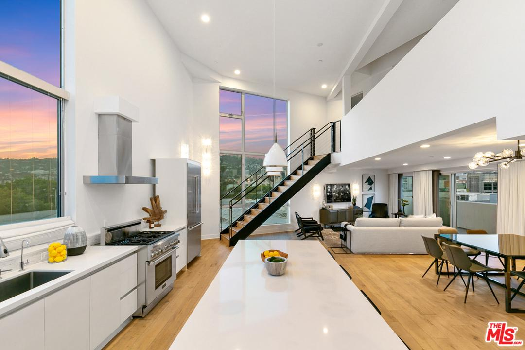 Photo of 616 N CROFT AVE, West Hollywood, CA 90048