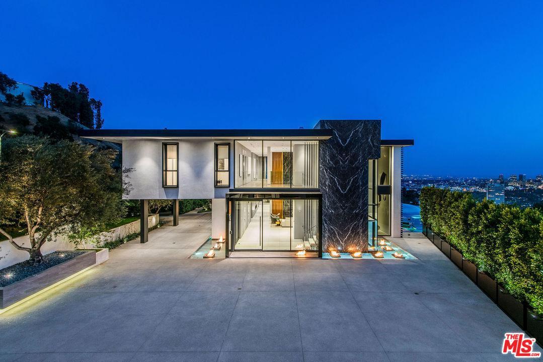 Los Angeles, CA 90069 - GWEN BANTA - Hollywood Hills