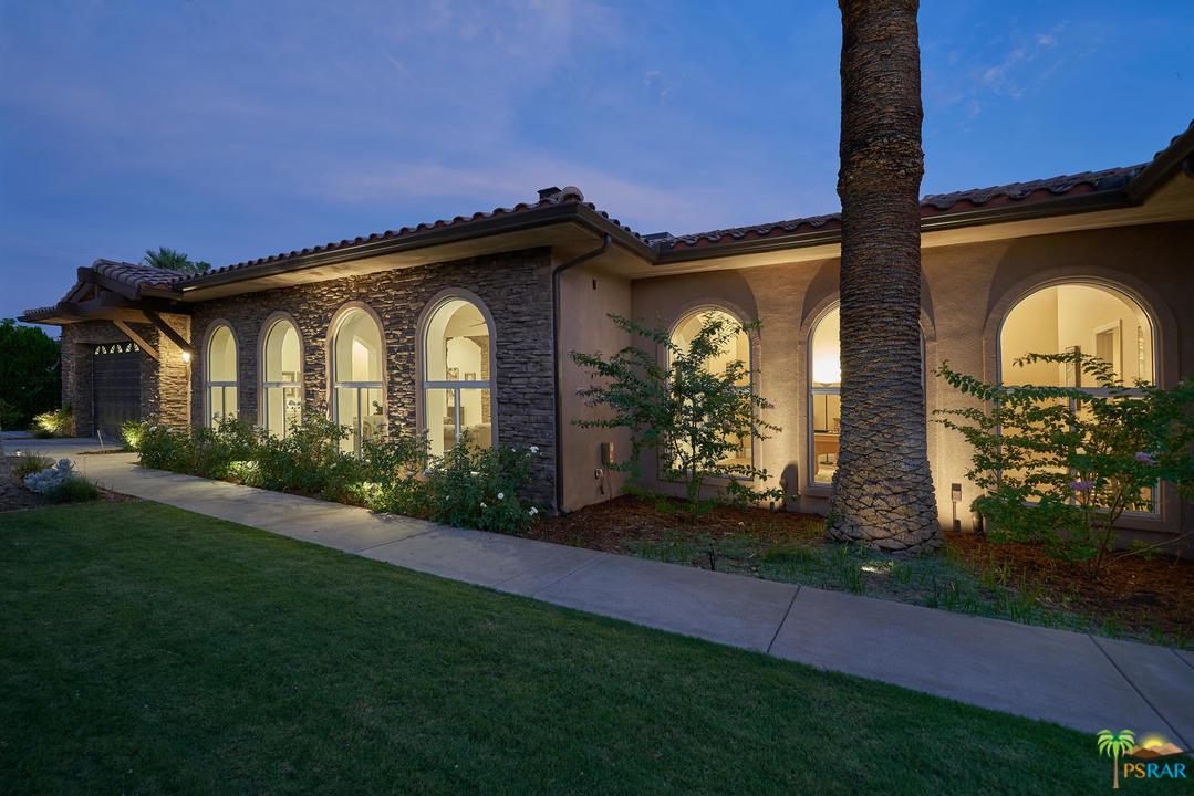 Photo of 333 East VALMONTE SUR, Palm Springs, CA 92262