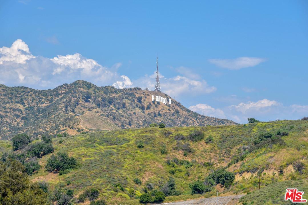 6852 CAHUENGA PARK TRAIL - Sunset Strip / Hollywood Hills West, California