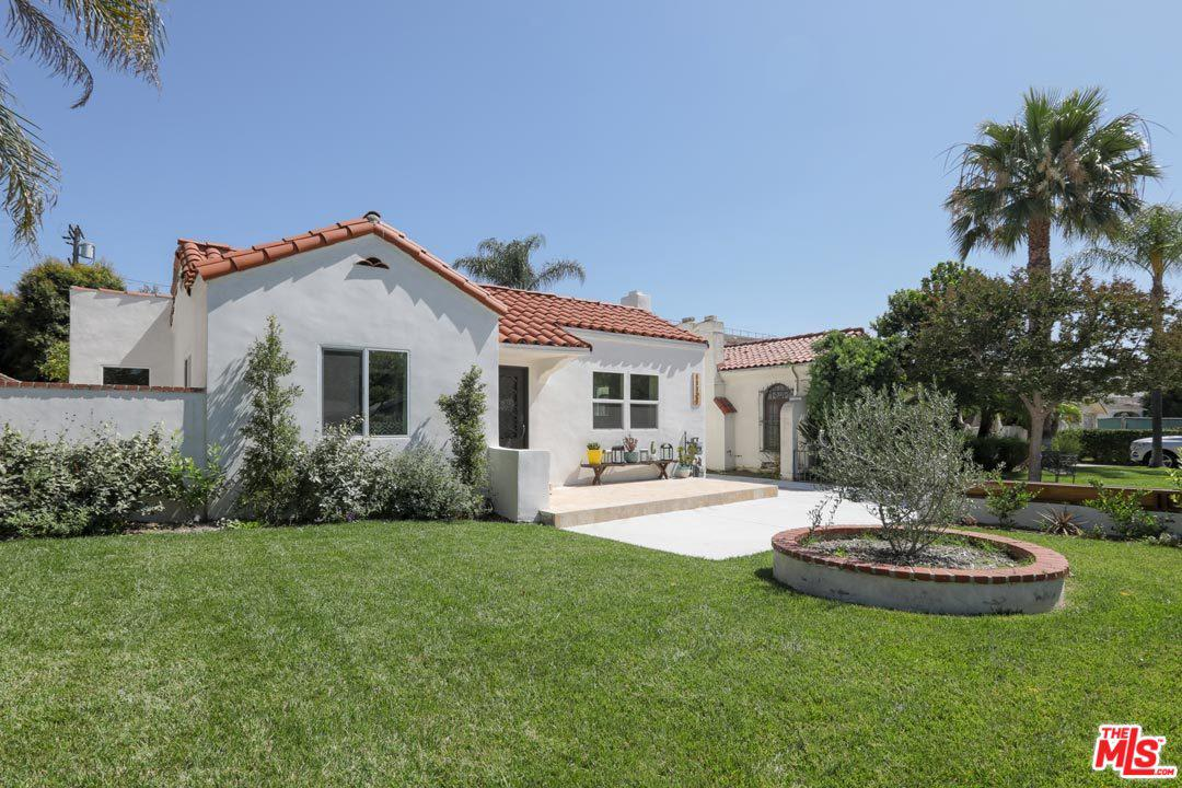 Photo of 11121 LANDALE ST, North Hollywood, CA 91602