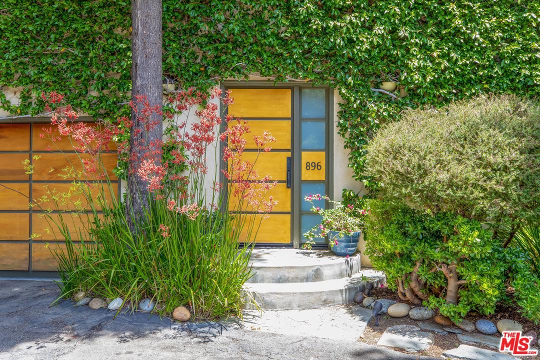 Photo of 896 N BEVERLY GLEN, Los Angeles, CA 90077