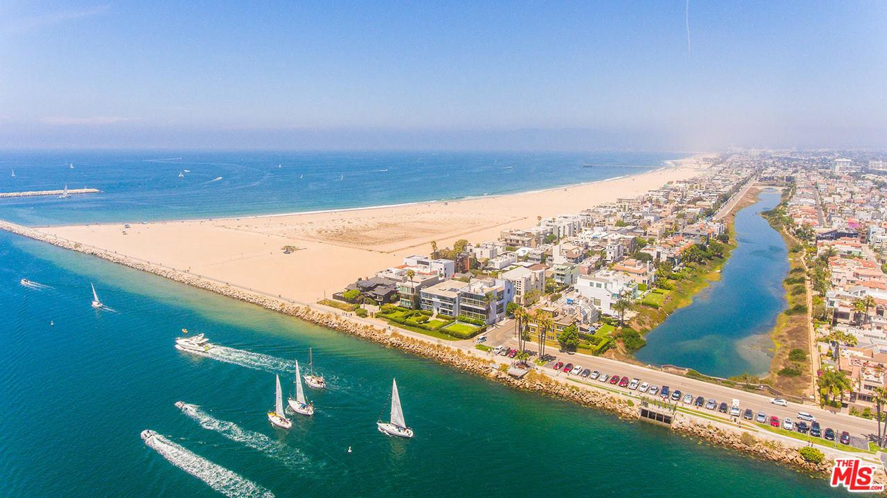 Photo of 24 YAWL ST, Marina Del Rey, CA 90292