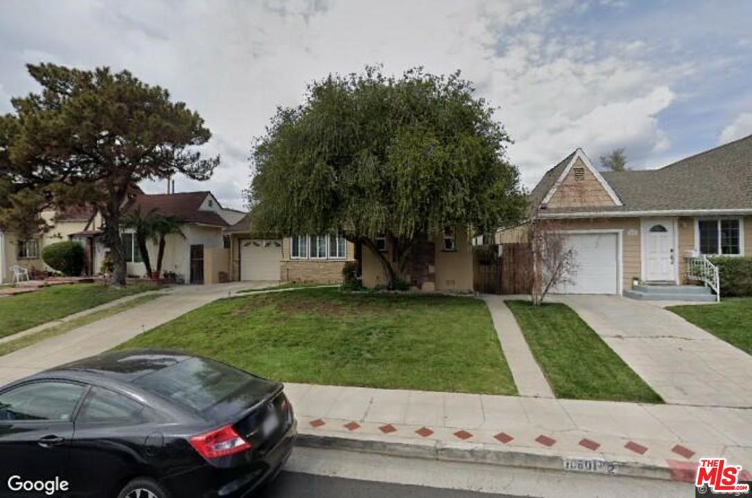 Photo of 10801 SARAH ST, North Hollywood, CA 91602
