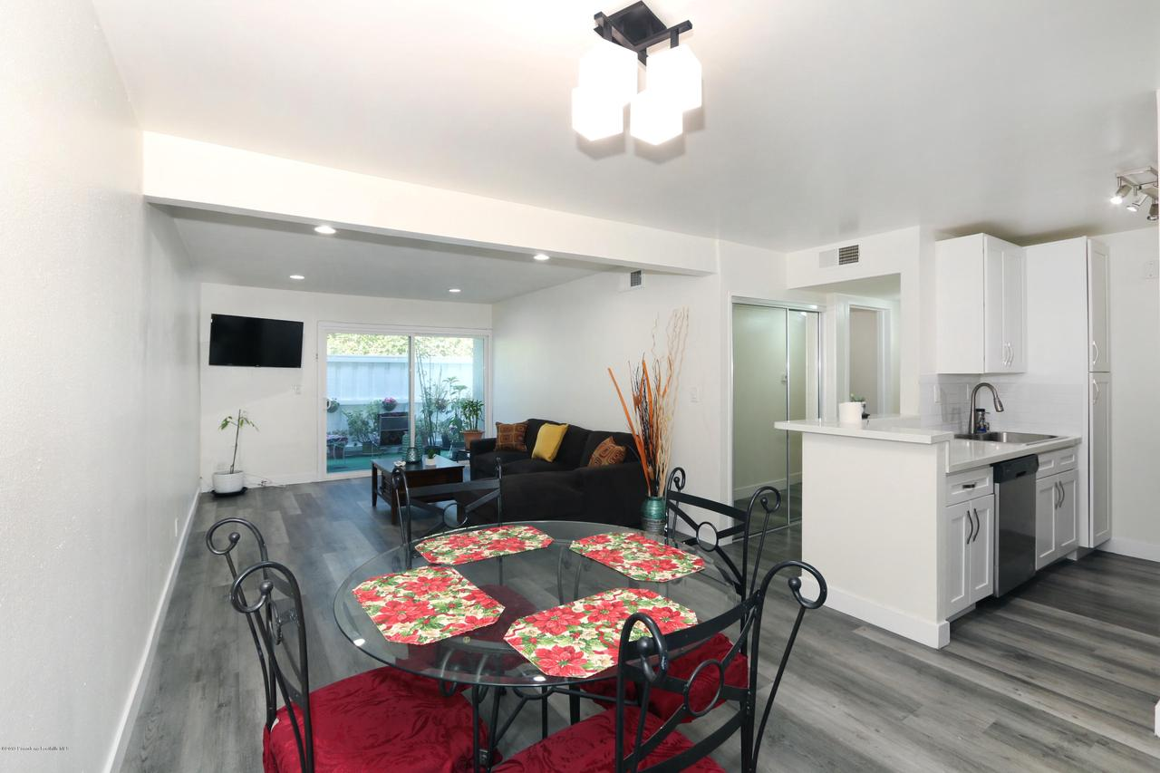 Photo of 18620 HATTERAS STREET #157, Tarzana, CA 91356