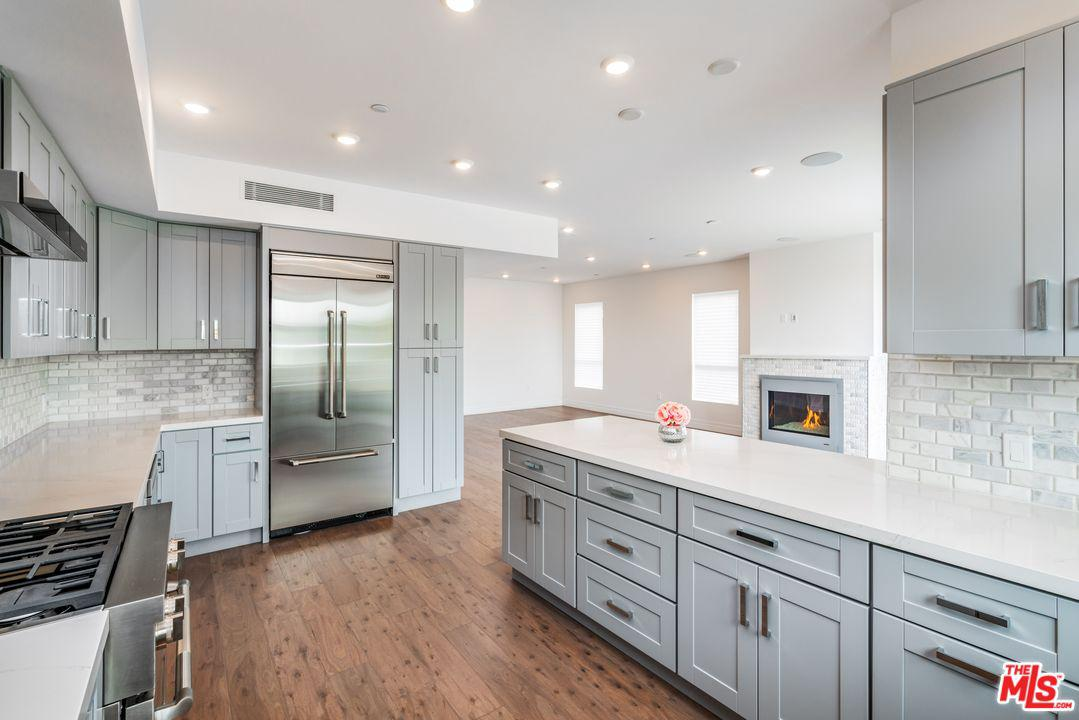 Property for sale at 11979 WALNUT LN #2, Los Angeles,  California 90025