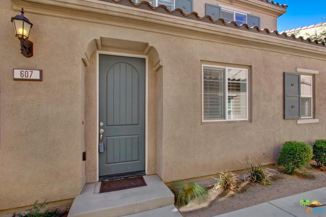Photo of 607 CALLE VIBRANTE, Palm Desert, CA 92211