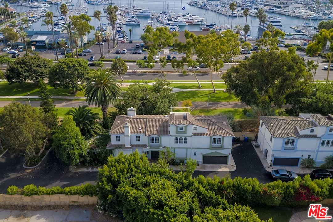 Photo of 1008 HARBOR CROSSING LN, Marina Del Rey, CA 90292
