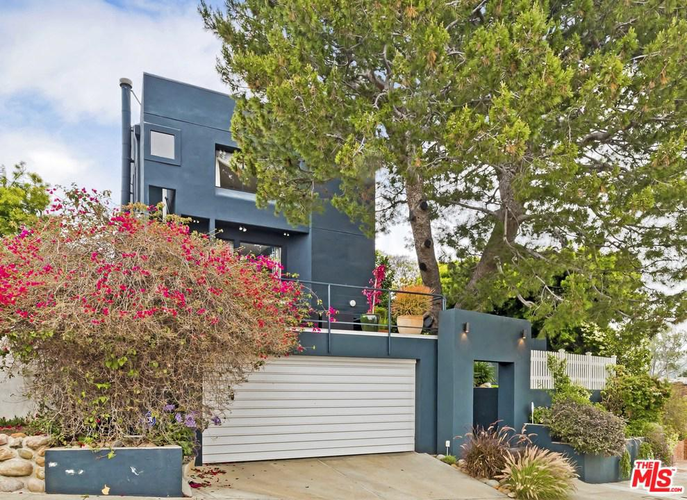 Photo of 16571 CHATTANOOGA PL, Pacific Palisades, CA 90272