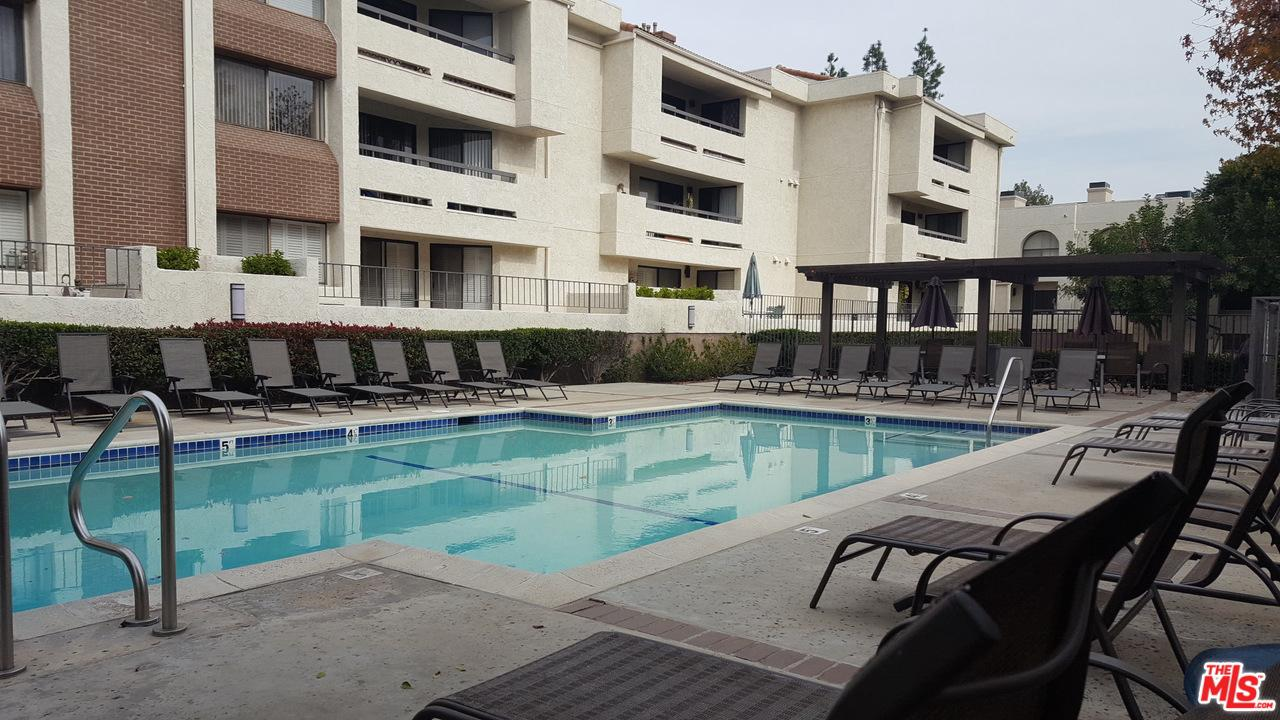 Photo of 21620 BURBANK, Woodland Hills, CA 91367