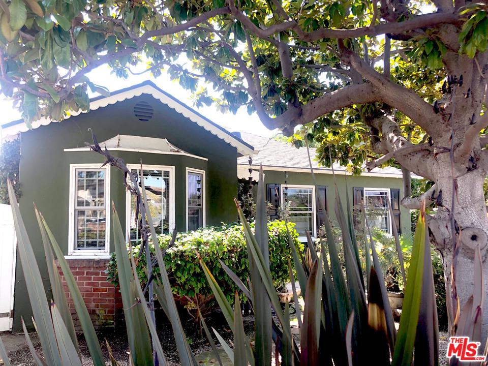 Photo of 10768 BRADDOCK DR, Culver City, CA 90230