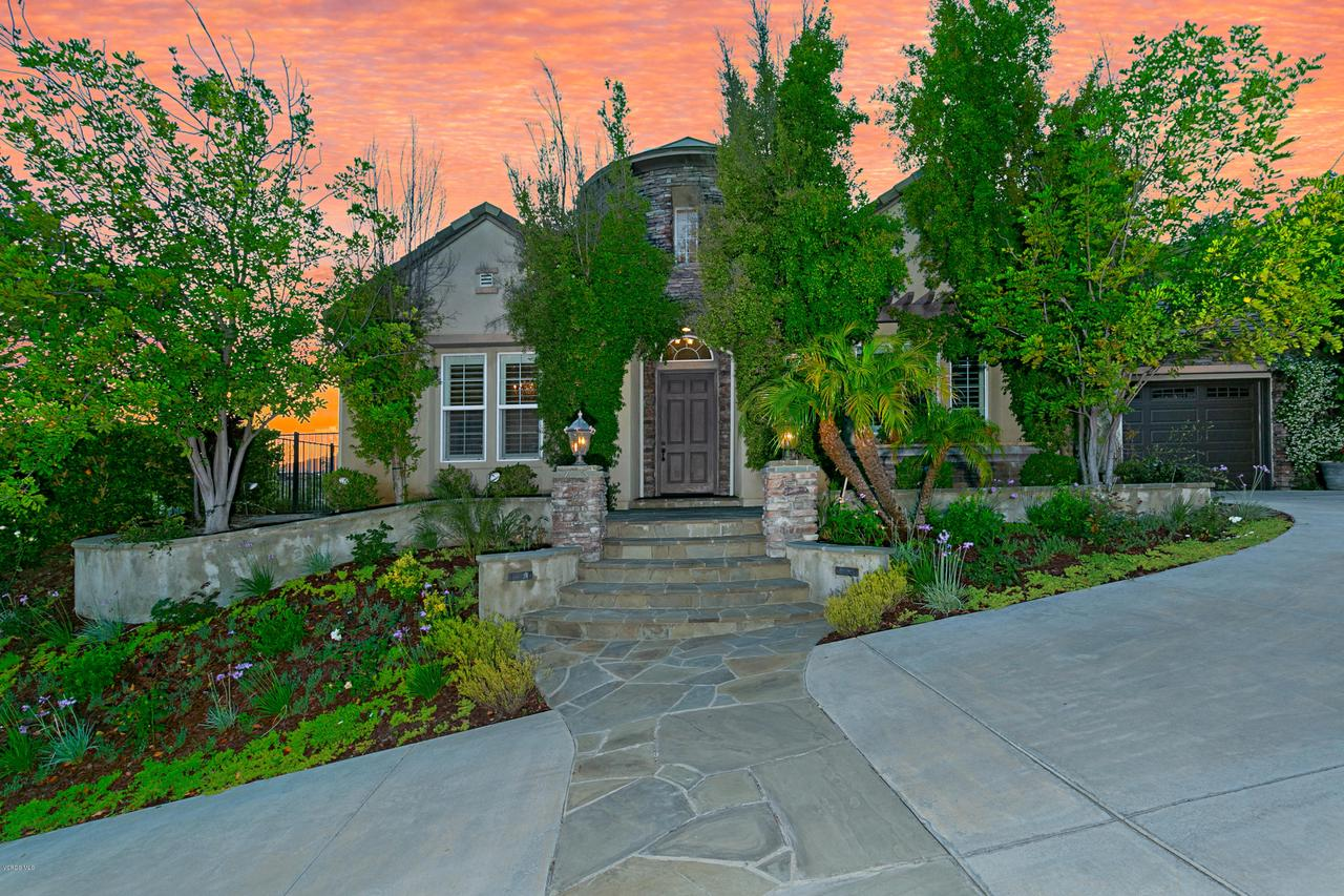 Photo of 1647 SYCAMORE CANYON Drive, Westlake Village, CA 91361