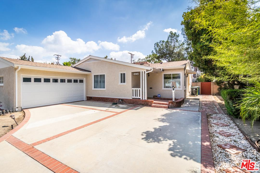 Photo of 11752 COLLINS ST, North Hollywood, CA 91607