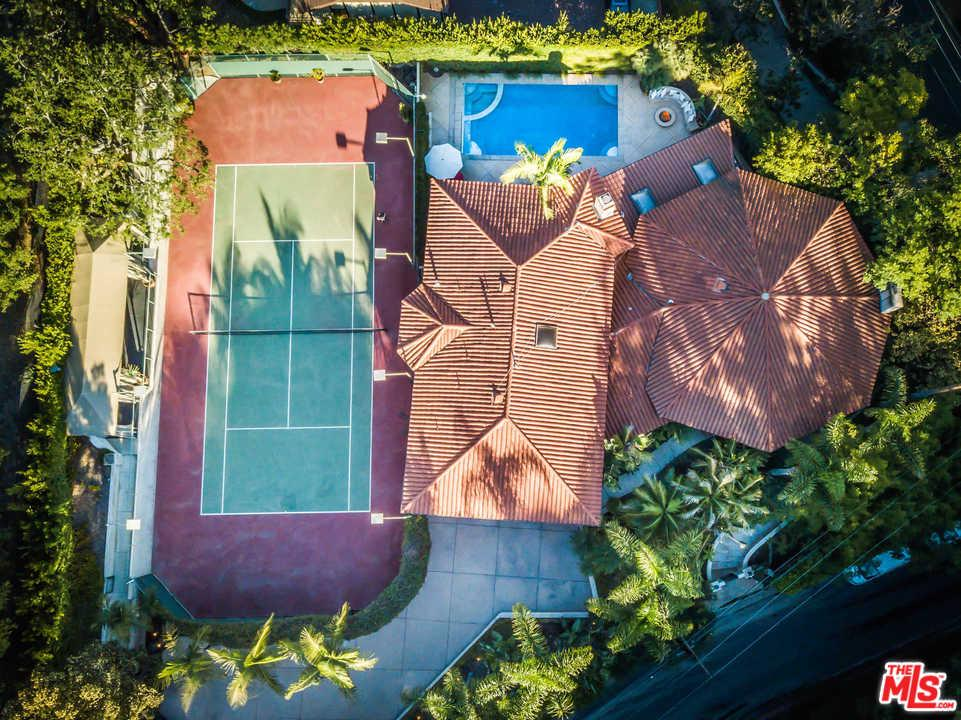 Photo of 7651 WILLOW GLEN RD, Los Angeles, CA 90046