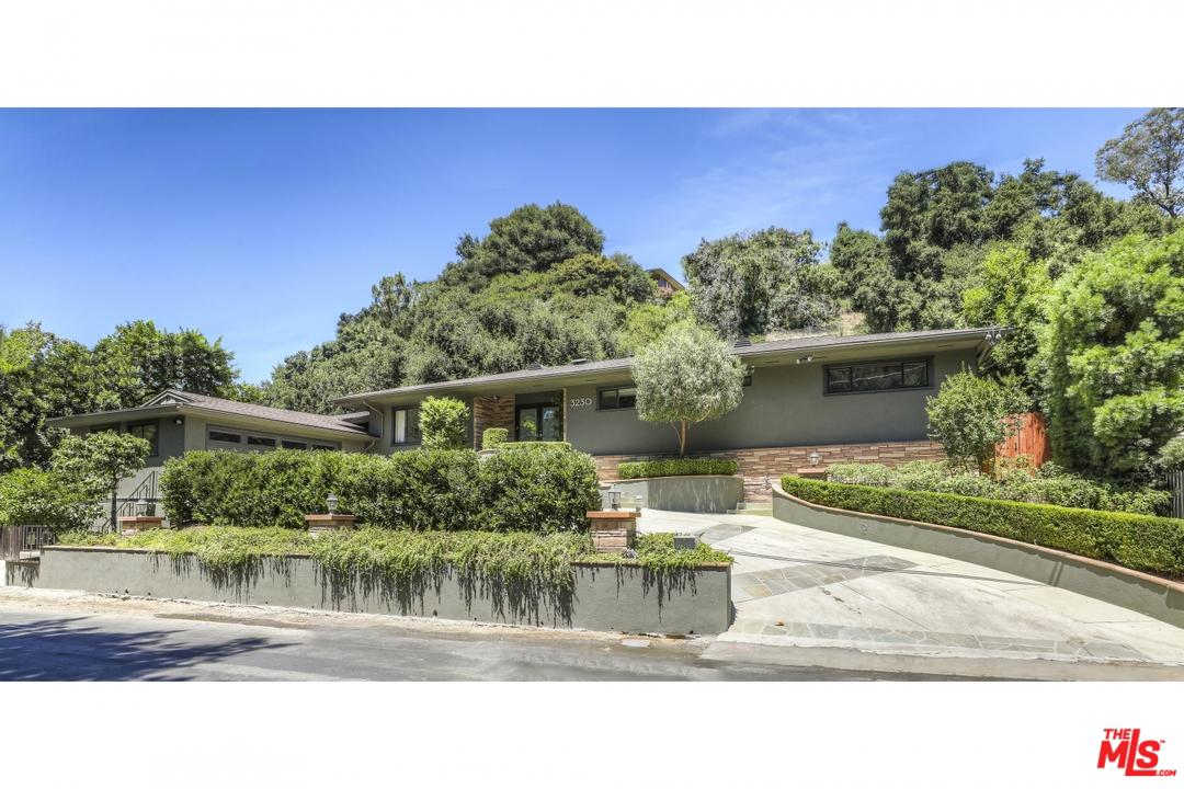 Photo of 3230 OAKDELL RD, Studio City, CA 91604