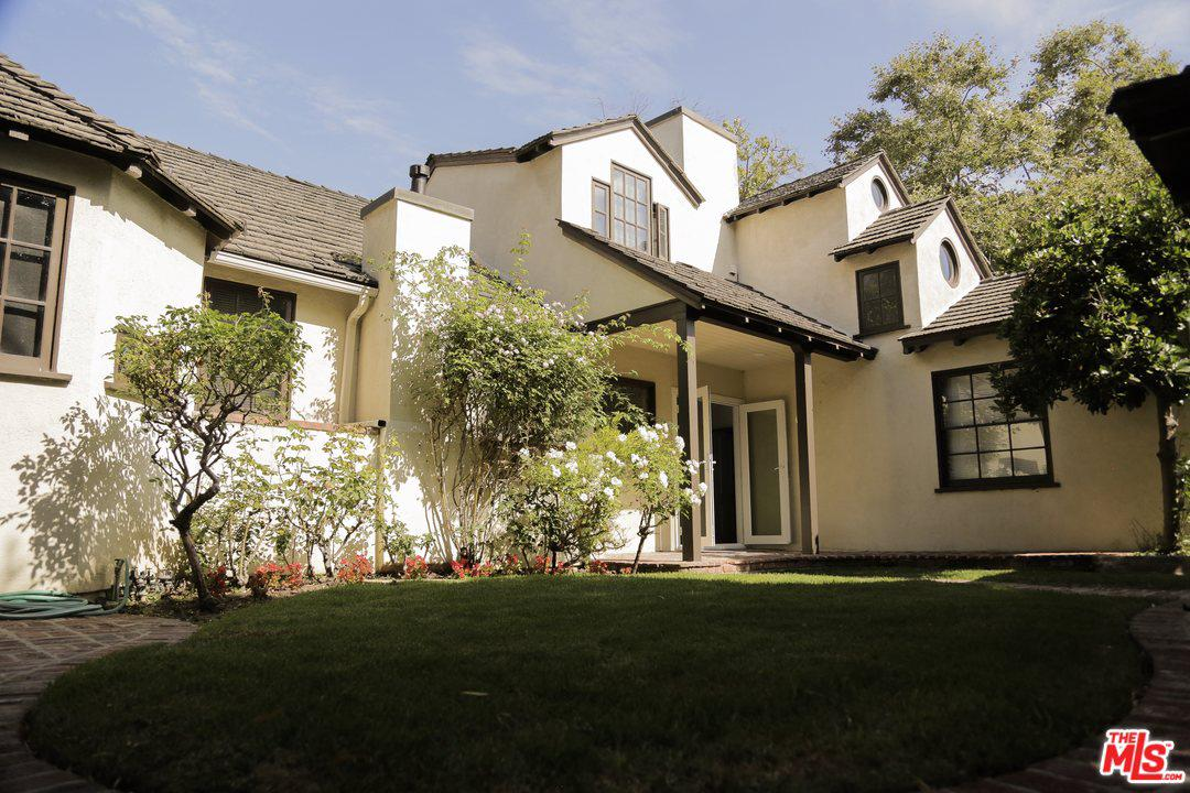 Photo of 2771 CLUB DR, Los Angeles, CA 90064