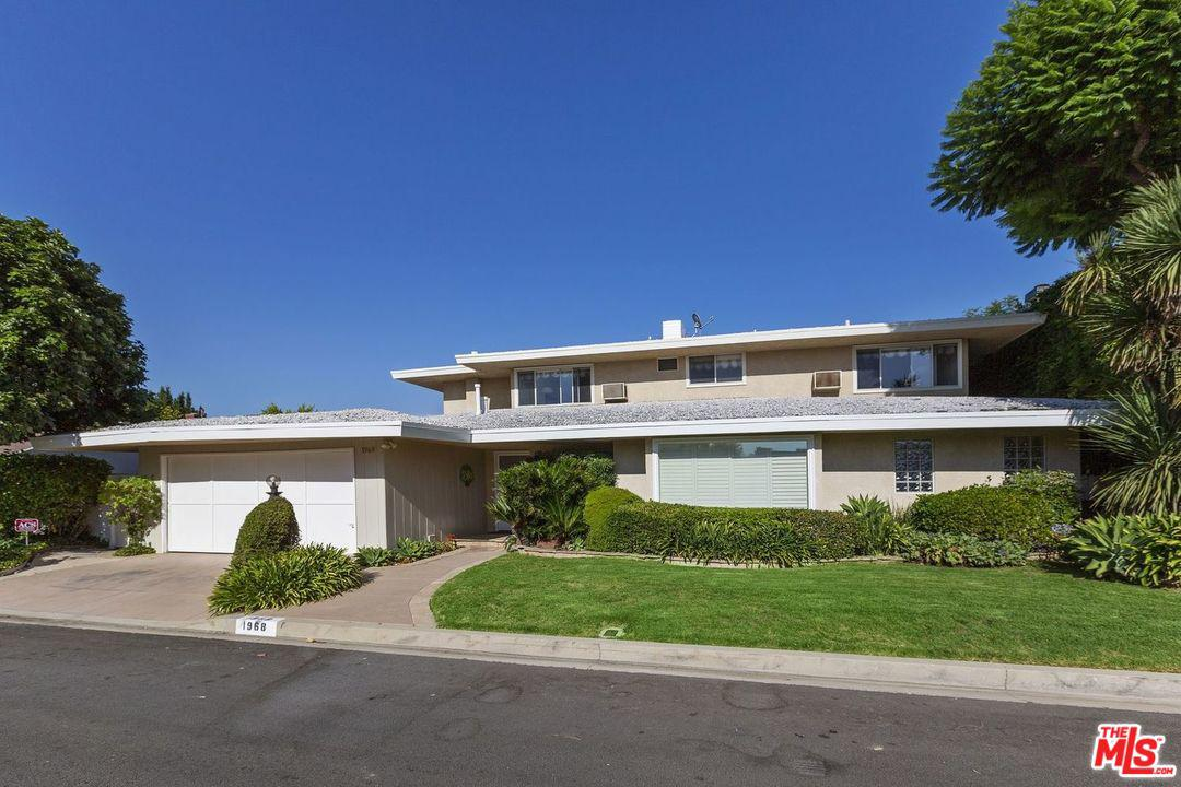 Photo of 1968 LINDA FLORA DR, Los Angeles, CA 90077