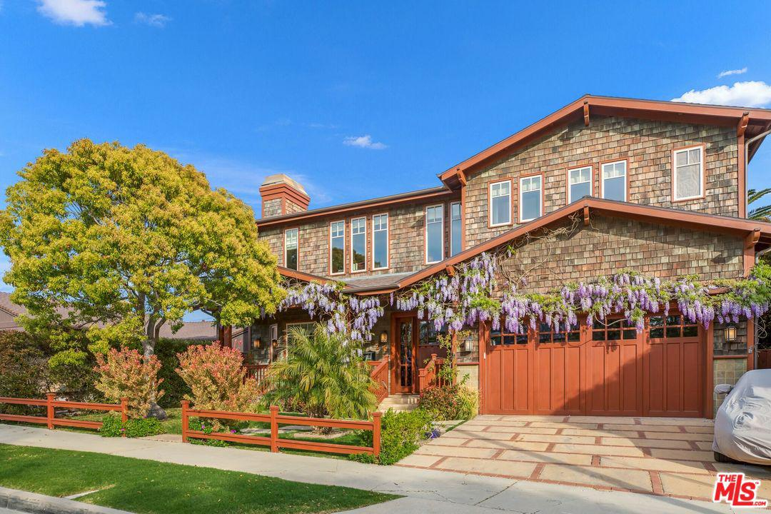 Photo of 17062 BOLLINGER DR, Pacific Palisades, CA 90272