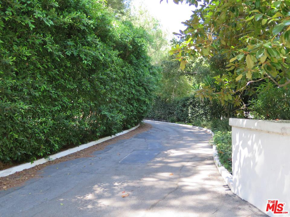 Photo of 1195 TOWER GROVE DR, Beverly Hills, CA 90210