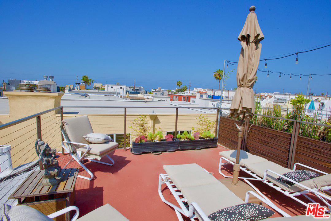 Photo of 131 GALLEON Street #2, Marina Del Rey, CA 90292