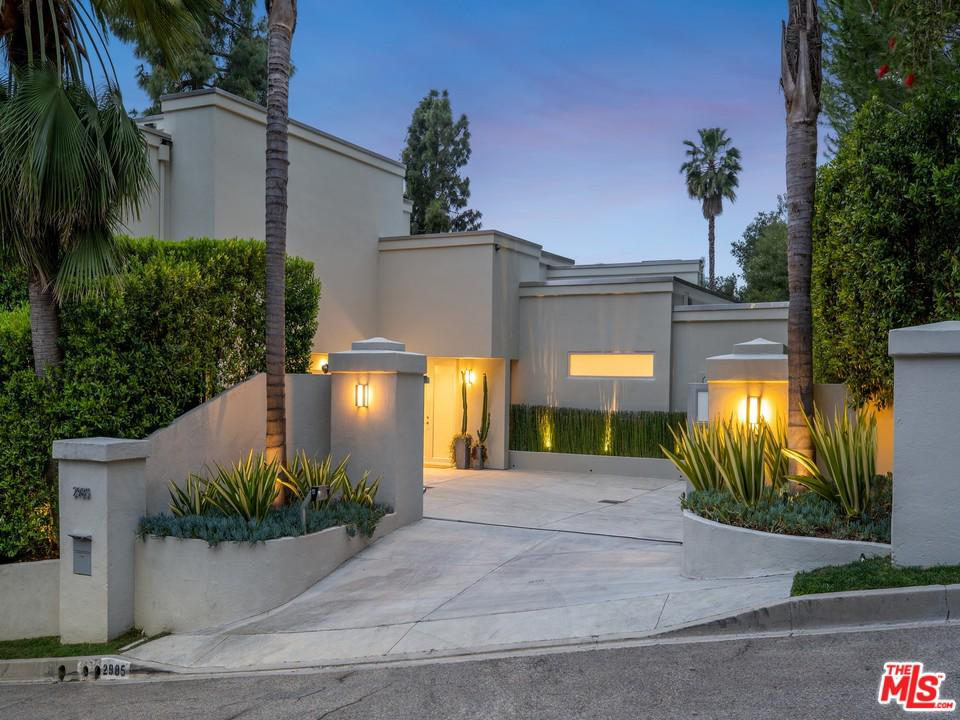 Photo of 2985 HUTTON DR, Beverly Hills, CA 90210