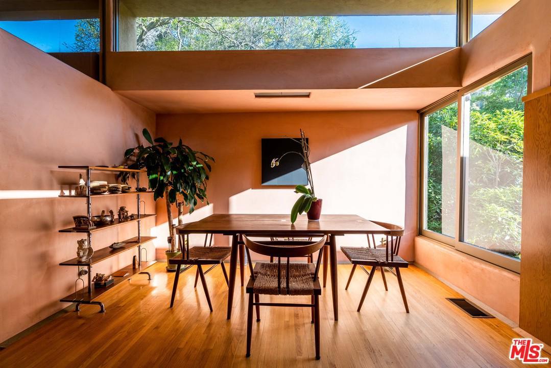 4000 SUNNYSLOPE Avenue - Sherman Oaks, California