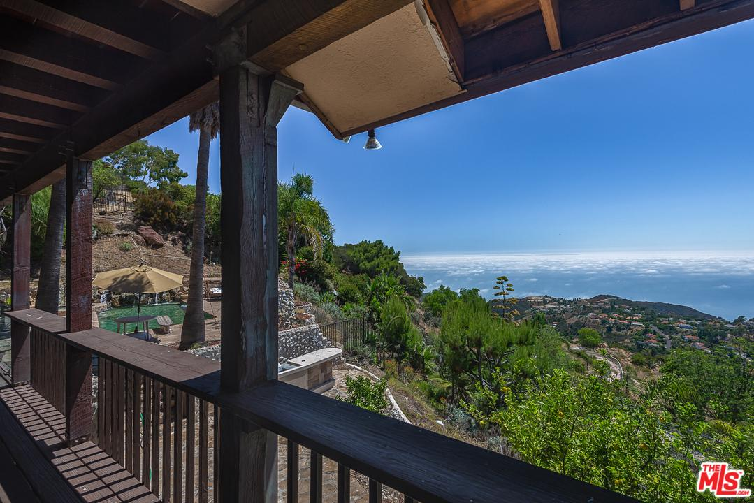 Photo of 333 MOONRISE Drive, Malibu, CA 90265
