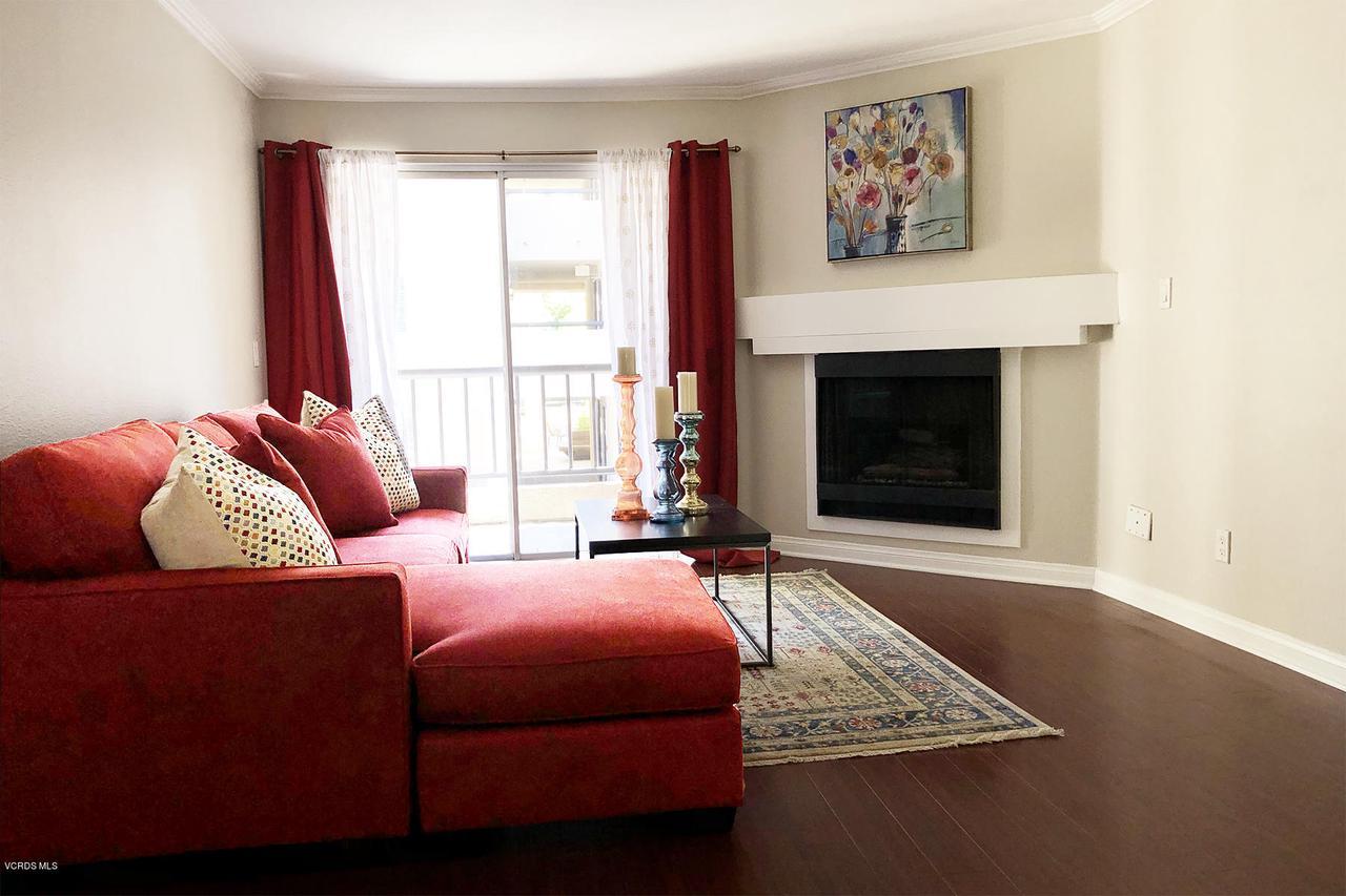 Photo of 21500 BURBANK BOULEVARD #204, Woodland Hills, CA 91367