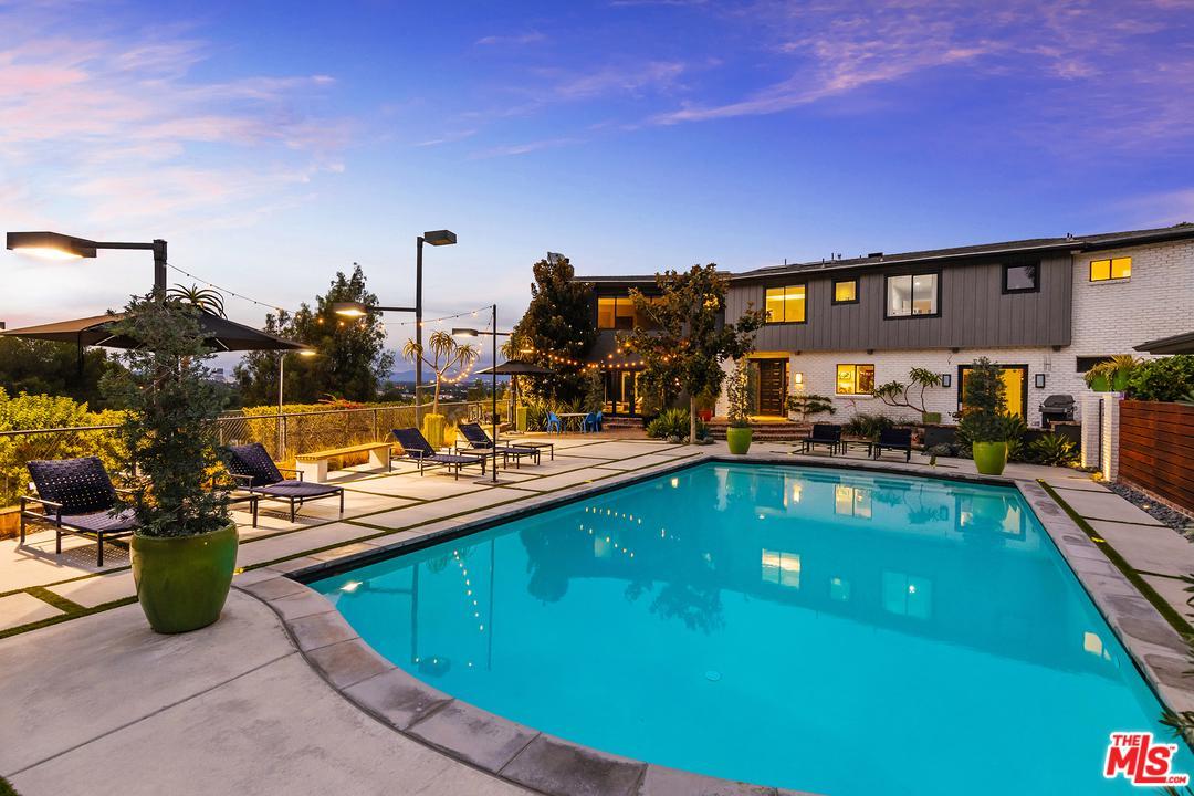 Photo of 13000 BLAIRWOOD DR, Studio City, CA 91604