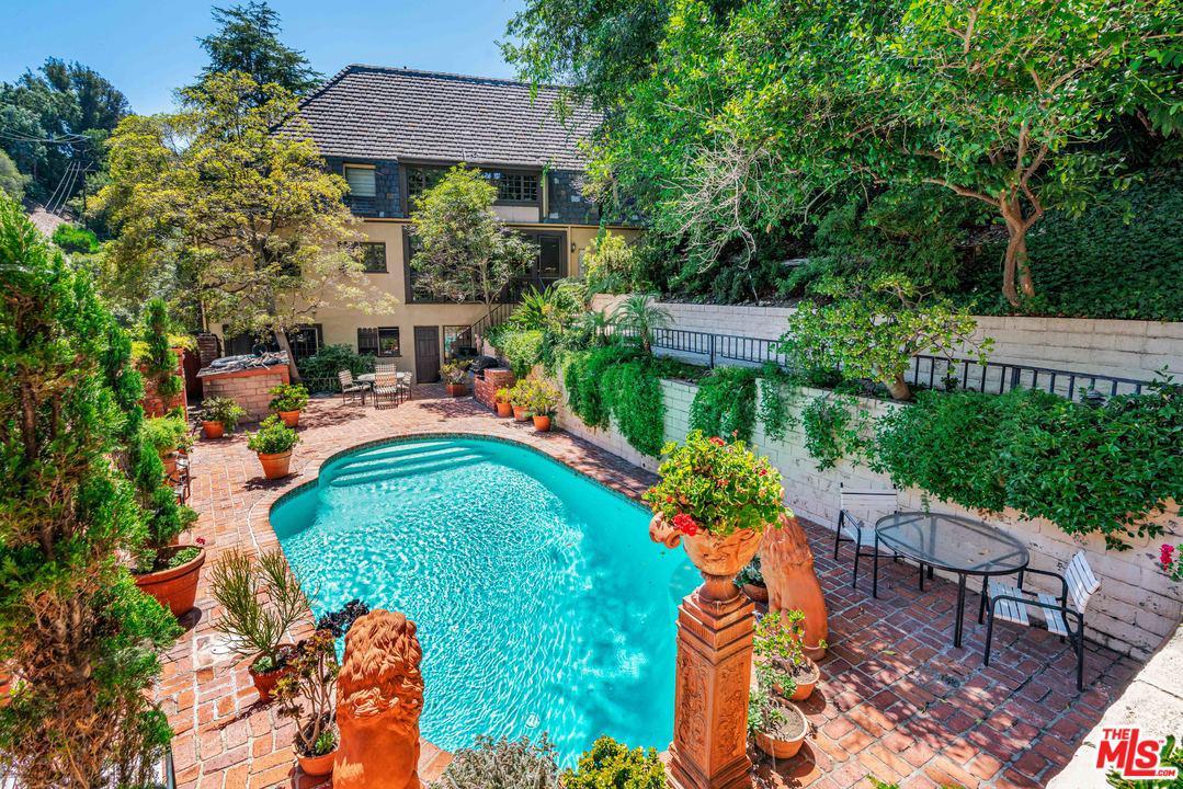 Photo of 1423 SCHUYLER RD, Beverly Hills, CA 90210