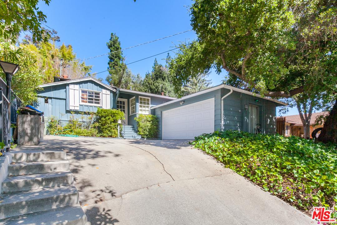 Photo of 21511 DUMETZ RD, Woodland Hills, CA 91364